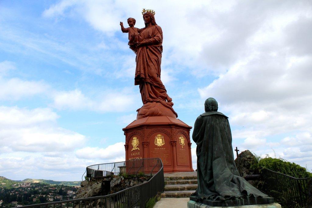 Statue Notre Dame Puy en Velay-min